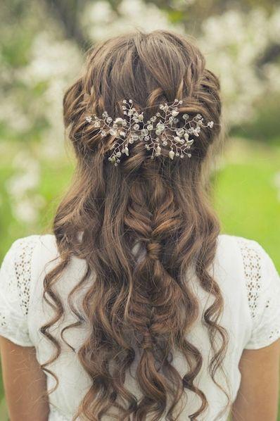 Peinados de fiesta pelo medio recogido