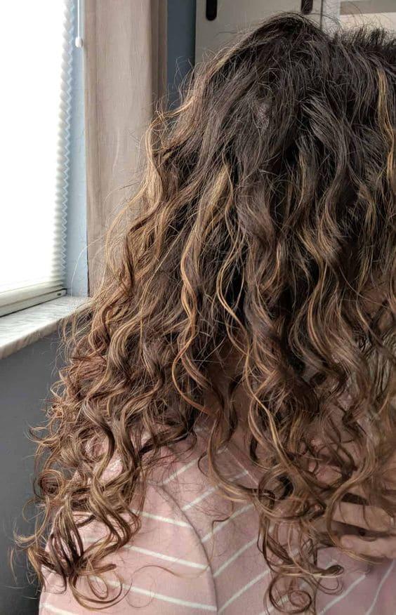 Elige buena mascarilla para pelo rizado