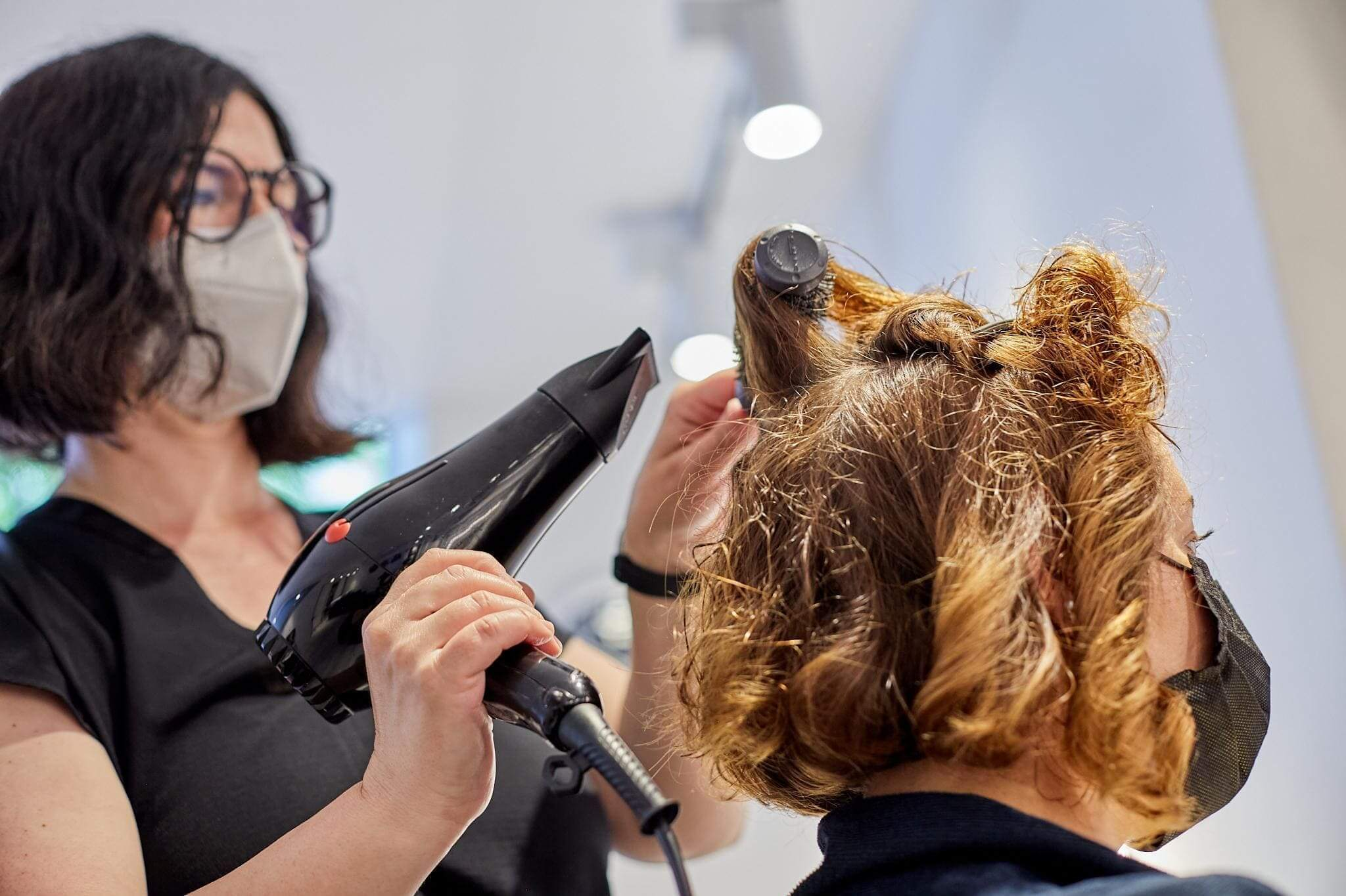 Curly bob peinado en nuestros salones