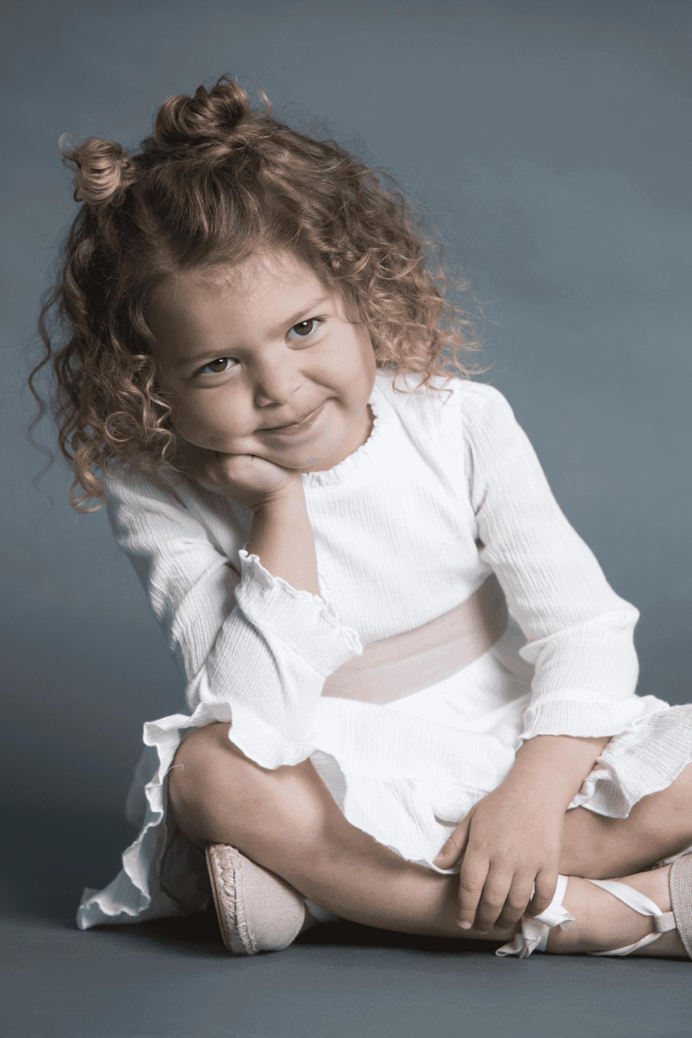 peinado primera comunión para niña con moño